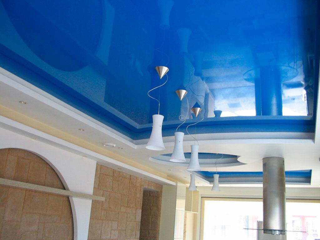 Глянцеві кольорові натяжні стелі