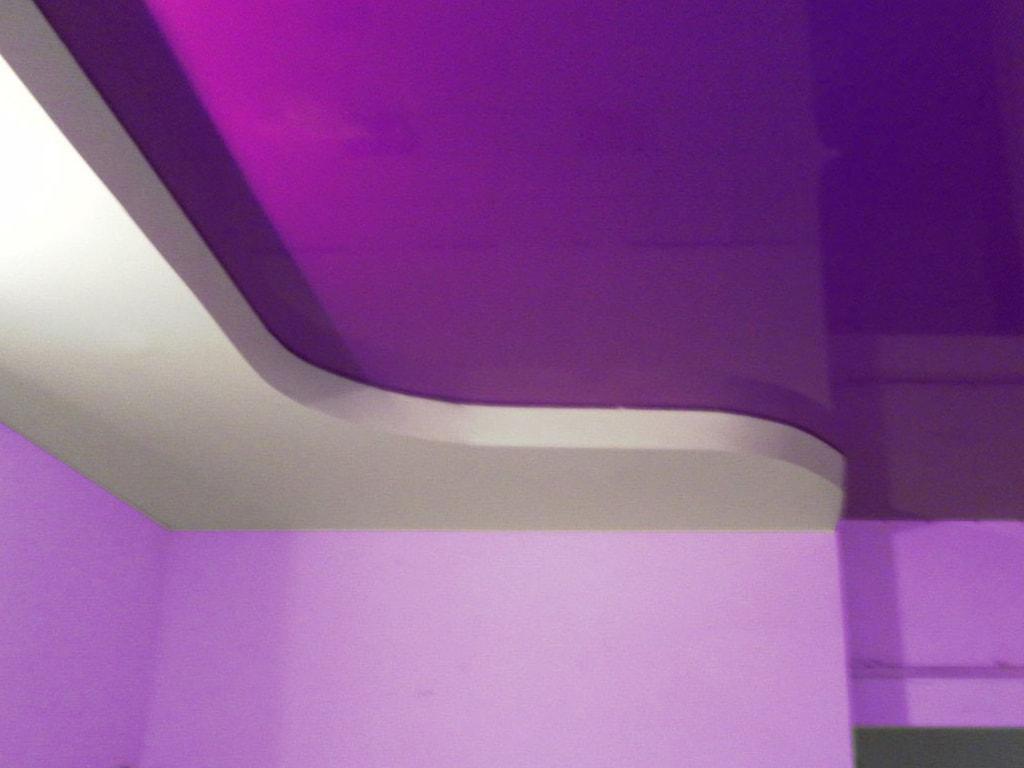 Кольорові натяжні стелі фото Вінниця