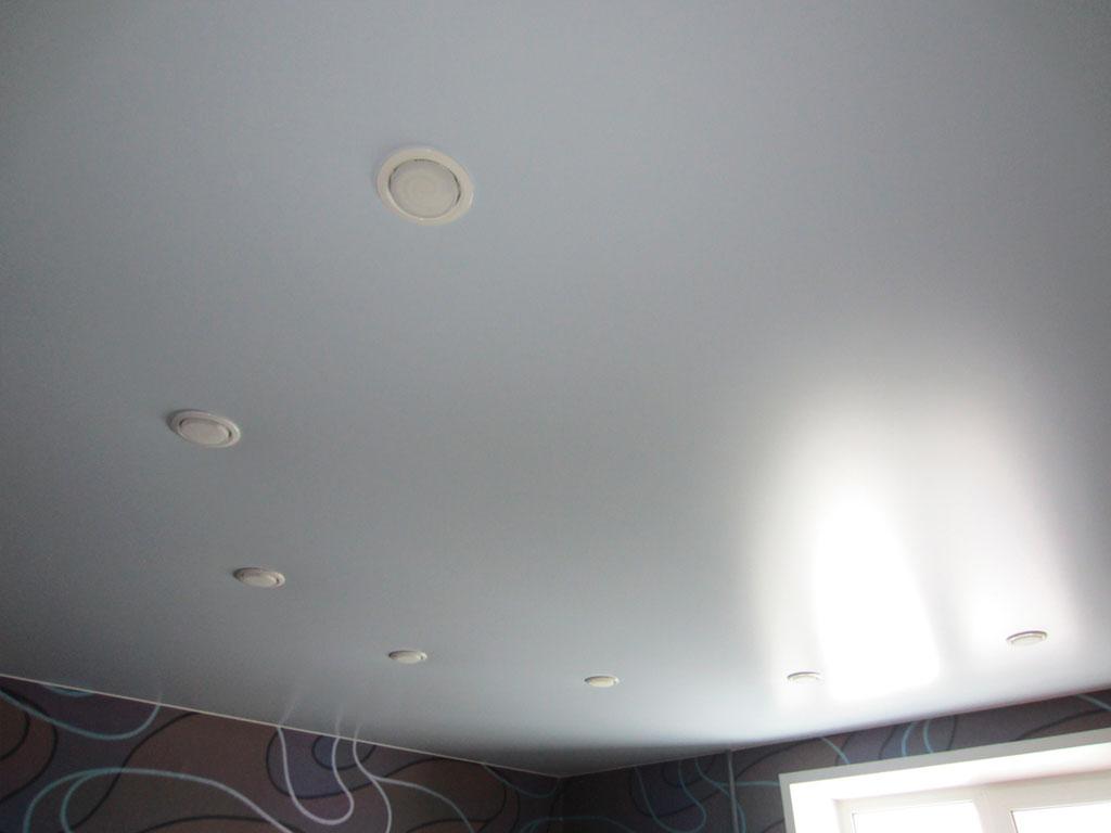 Сатиновый натяжной потолок фото, цены от производителя в Москве.