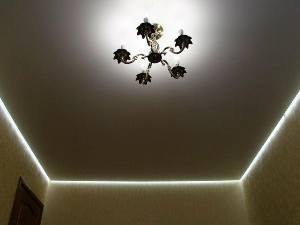 Натяжні стелі з підсвіткою в Вінниці