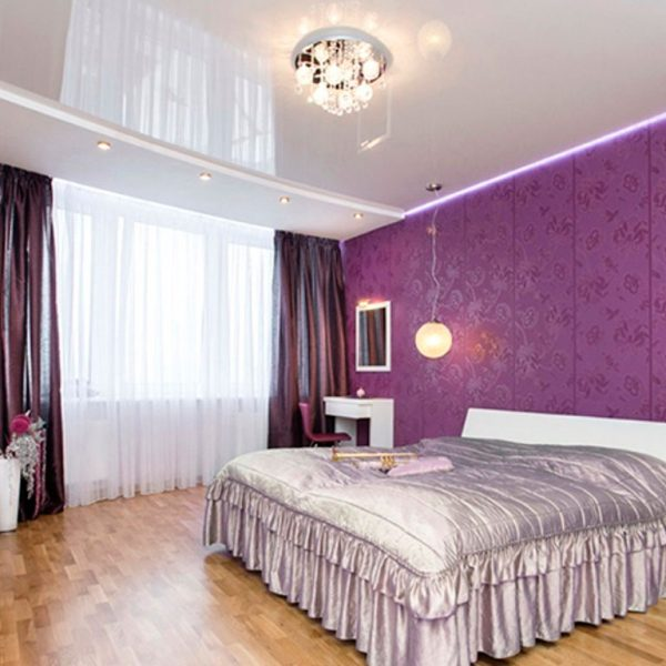Натяжна стеля для спальні