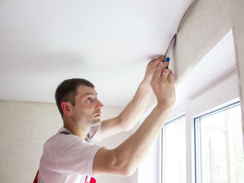 Заміна ПВХ полотна натяжної стелі